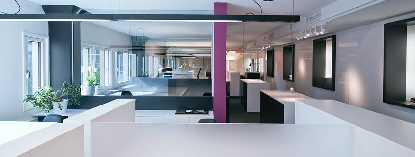 Berentsen interiørarkitekters kontor i Oslo, sett fra kjøkkenet