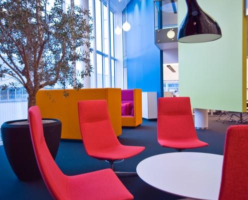 Vrimleareal i Reitans kontorbygg i Oslo tegnet av interiørarkitekt Berentsen