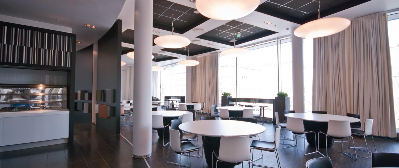 Kantinen hos Reitan i Oslo, tegnet av Biark Interiørarkitekter